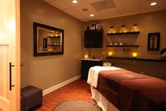Place 360 Health+Spa, Del Mar Picture: Swasana Treatment Room - Check out Tripadvisor members' candid photos and videos of Place 360 Health+Spa Massage Room Decor, Massage Therapy Rooms, Spa Design, Salon Design, Spa Treatment Room, Reiki Room, Esthetician Room, Spa Rooms, Relaxation Room