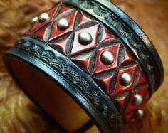 Lederen cuff Bracelet Brown sunburst door MataraCustomLeather