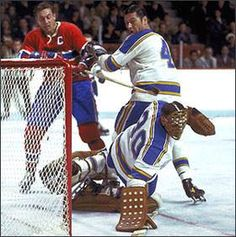 Jacques Plante with St. the Canadiens. Hockey Goalie, Hockey Teams, Ice Hockey, St Louis Blues Goalies, Goalie Mask, Vancouver Canucks, Team Player, Montreal Canadiens, Nhl
