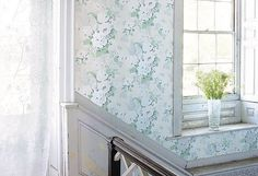 Anna French Wild Flora Bouquet wallpaper in stairwell Anna French Wallpaper, Mint Wallpaper, Wallpaper Stencil, Wallpaper Ideas, Paintable Textured Wallpaper, Pvc Wall Panels, Discount Wallpaper, Shabby Chic, Leather Wall