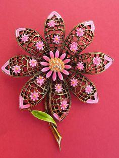 Vintage Designer Signed Art Pink Enamel Gold Tone Daisy Flower Pin Brooch | eBay