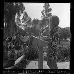Feminist Gloria Steinem speaking at Cal State Long Beach, Calif., 1970.