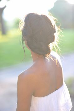 gorgeous summertime updo! <3