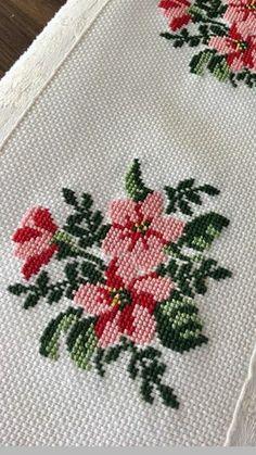 Cross Stitch Rose, Cross Stitch Flowers, Cross Stitch Charts, Cross Stitch Designs, Cross Stitch Patterns, Handkerchief Embroidery, Ribbon Embroidery, Cross Stitch Embroidery, Crochet Bedspread