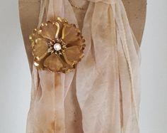 Signed BED Vintage Mesh Flower Rhinestone Brooch - BED Vintage Jewelry - Vintage Mesh Flower Pin with Rhinestone -Vintage Costume Jewelry - Edit Listing - Etsy