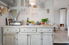 39 Cool Shabby Chic Whitewashed Storage Designs : 39 Cool Shabby Chic Whitewashed Storage Designs With Wooden Kitchen Storage And Small Lamp. Kitchen Flooring, Kitchen Furniture, Kitchen Dining, Kitchen Decor, Kitchen Cabinets, Kitchen Sideboard, Dining Room, Nice Kitchen, Design Kitchen
