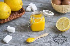 Il lemon curd è una salsa dolce tipica inglese. Molto deliziosa e profumata può arricchire e accompagnare svariate preparazioni come scones, muffin e toast.
