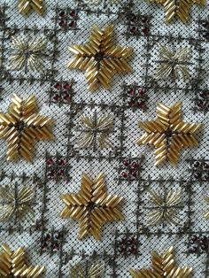 Beaded Embroidery, Embroidery Stitches, Embroidery Designs, Bargello, Beading Patterns, Crafts To Make, Needlepoint, Art Decor, Projects To Try