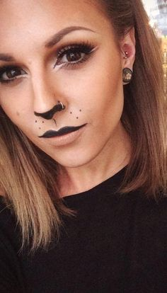 Catwoman Halloween, Lion Halloween Costume, Halloween Costumes Women Scary, Cat Halloween Makeup, Facepaint Halloween, Women Deer Costume, Adult Costumes, Facepaint Easy, Adult Cat Costume