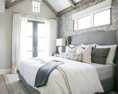 Neutral bedroom paint color. Dunn Edwards DEC 774 Shady. Neutral bedroom paint color. Dunn Edwards DEC 774 Shady. #Neutralbedroom #paintcolor # DunnEdwardsDEC774Shady Patterson Custom Homes