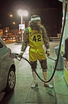 Teen Wolf - Halloween costume - This guy bought gas looking like that. Teen Wolf Costume, Wolf Halloween Costume, Werewolf Costume, Family Halloween Costumes, Halloween Kostüm, Diy Halloween Costumes, Holidays Halloween, Cool Costumes, Costume Ideas