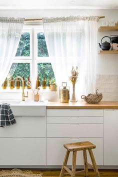 Light sheer curtains in vintage inspired kitchen. with gold accents. Bright Kitchens, Cool Kitchens, White Kitchens, Dream Kitchens, Kitchen Benches, Kitchen Decor, Rustic Kitchen, Timber Benchtop, Brick Look Tile