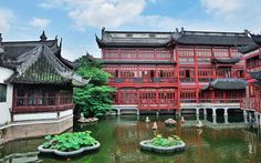 Yu Garden: The Yu Garden is comprised of six main areas, namely the Sansui Hall, Wanhua Chamber, Dianchun Hall, Huijing Hall, Yuhua Hall and the Inner Garden. Within each hall lies several scenic spots, including courtyards, pavilions, streams and ornamental ponds.