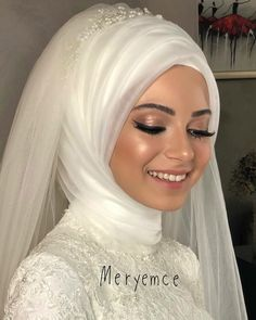 "gelin başı ""Nofilter"" yesmakeup, which says good evening. Bridal Hijab, Muslim Brides, Wedding Hijab, Pakistani Wedding Dresses, Muslim Couples, Makeup Hijab, Bride Makeup, Wedding Makeup, Hijab Turkish"
