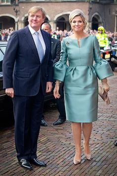 Dutch royals Queen Maxima and King Willem-Alexander celebrate 200 years of the Kingdom of The Netherlands with Princess Beatrix, Prince Constantijn and Princess Laurentien Elegant Dresses, Beautiful Dresses, Vintage Dresses, African Wear, African Dress, Dress Outfits, Fashion Outfits, Womens Fashion, Royal Dresses