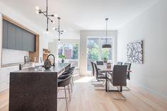 Remarquable condo sur deux niveaux de type maison de ville dans le quartier Villeray à Montréal - Joli Joli Design Saint Michel, Conference Room, Extension, Furniture, Design, Home Decor, Command Centers, Family Room, Terraced House