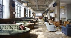 Now open: Soho House Chicago. Definitely a place to go if you want to go to every Soho House in the world. And they now have a special opening. Soho Hotel, Hotel Restaurant, Hotel Lobby, Restaurant Design, Western Restaurant, Lobby Lounge, Restaurant Interiors, Bar Lounge, Hotel Interiors