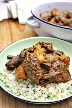 South African Mogodu (tripe) by Mzansi Style Cuisine - Gogo Ntombiyamanzi - African Food South African Dishes, South African Recipes, Ethnic Recipes, Africa Recipes, Tripe Recipes, Liver Recipes, Zambian Food, Nigerian Food, Cooking Recipes
