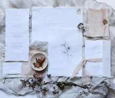This botanical inspired invitation suite looks stunning.