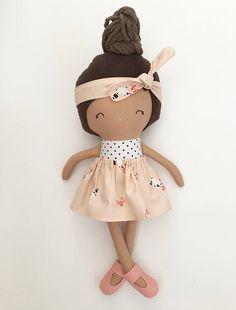 Prêt à expédier poupée