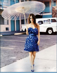 Rachel Bilson with her Brelli looks absolutely flawless!! www.outsideinstyle.com