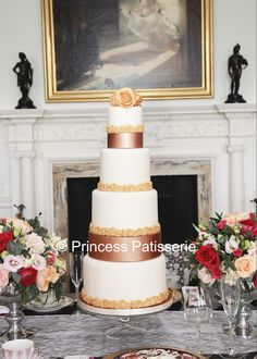 Spectacular Marie Antoinette inspired wedding cake...an elegant interpretation!