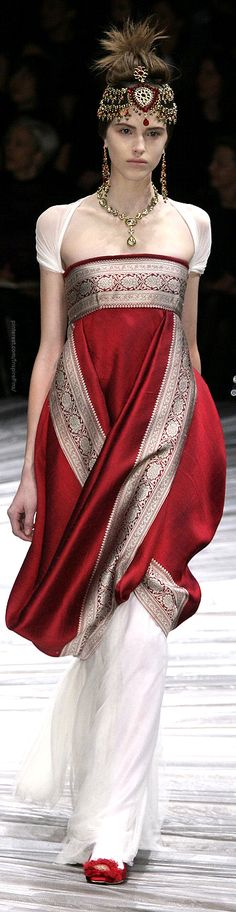 Alexander McQueen      jaglady INSPIRATION SARI INDIEN