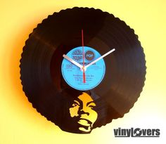 i really love this idea of making a clock from a vinyl