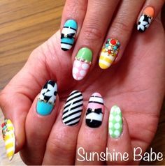 Even one of these as an accent nail would be great! (And less work too!)