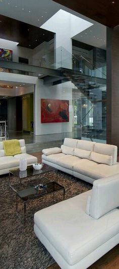 Living Room Natural light in a modern contemporary setting where structural be Luxury Homes Interior, Home Interior, Decor Interior Design, Interior And Exterior, Living Room Modern, Living Room Designs, Living Rooms, Designer Hotel, Designer Living