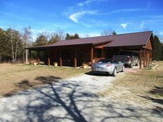 Make this true 2 BR, 1 ½ BA Rustic Charmer sitting on 5.62 acres m/l your full time residence or Bull Shoals Lake weekender. Property features open LR with knotty pine, laminate floor & cathedral ceiling dining & kitchen area (custom made cabinets & all appliances stay), 2 walk in closets, very nice master and master bath. Utility room has ½ BA with lots of storage. Nice 32 X 24 outbuilding with 1 BA is perfect for your boat. Pontiac Marina is about a mile away in Oakland AR