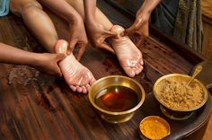 In Ayurvedic Mediicine, a natural medical practice from India, Ayurveda Massage is used extensively for various health purposes. Oil Pulling, Pranayama, Reiki, Ayurvedic Medicine, Ayurvedic Oil, Natural Medicine, Ayurvedic Centre, Ayurvedic Therapy, Massage Therapy