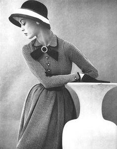 Jean Patchett wearing Mollie Parnis, 1952.