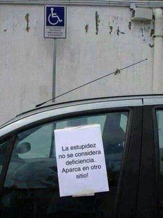 Estupidez aparcando