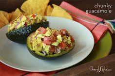 Chunky guacamole recipe in avocado shells - CherylStyle Avocado Recipes, Paleo Recipes, Mexican Food Recipes, Ethnic Recipes, Egg Recipes, Everyday Dishes, Everyday Food, Chunky Guacamole Recipe, Healthy Snacks