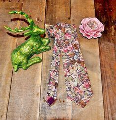 Vintage 70s Style Floral Tie // Pastel by EleanorsAntiquities