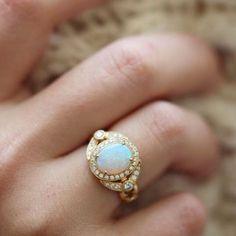 Jewelry always fits!  #dropdeadgorgeous  #ericacourtney #showmeyourrings #jewelrystateofmind  #lovegold #luxury #luxurybyjck #jewelry #jewelrydesign #jewels #diamond #diamonds #custom #love #stunning #beautiful #color #finejewelry #highendjewels #ringoftheday #dreamring #losangeles #gemstones #blingbling #wow #diamondjewelry #instajewels #diamondsareagirlsbestfriends #wishlist #sparkle