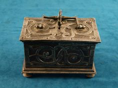 Wonderful late 16th c.- early 17th C. Dutch New World Sea Captain's treasure Casket
