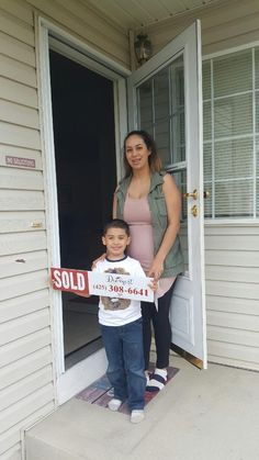 Congratulations Crystal, Oscar and family on your new home!! We are beyond happy for you guys! Thank you for letting the Diemert Properties Group help you find the perfect home :)   #HappyHomeOwners #ArlingtonWA #DiemertPropertiesGroup