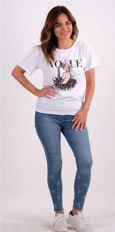 Beyaz Baskı Ve Yazı Detaylı TshirtKumaş Cinsi  :%100 PamukModelin Ölçüleri : 1.68cm / 36 BedenModelin Üstündeki Beden : SYıkama Talimatı:Ürünün iç etiket bölümünde gerekli yıkama talimatı yer almaktadır. Blouse, Skinny Jeans, T Shirts For Women, Pants, Tops, Fashion, Round Collar, Interview, Sleeves
