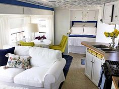 Caravan Renovation, Home Renovation, Travel Trailer Remodel, Travel Trailers, Camp Trailers, Camper Hacks, Camper Ideas, Diy Camper, Airstream Interior