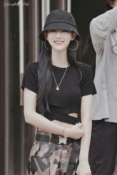 Jenny Zhang, Korean Outfits Kpop, Cool Outfits, Casual Outfits, Fashion Idol, Jennie, Girl Crushes, Ulzzang Girl, Aesthetic Girl