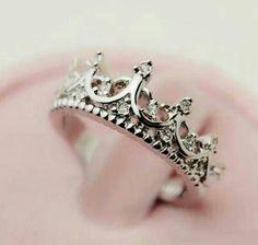 Fashion Vintage Cutout Crown Design Cubic Zirconia Women s Ring