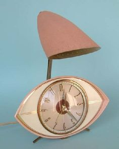 Mid Century Modern > clock & night-light....what fun!!!  http://www.collectvalue.com/exhibition/MIDCENTURY%20MODERN%20CLOCKS/1016
