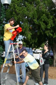 Venice Area Professionals & Volunteers decorate the town for the holidays.
