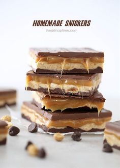 Nothing better than a delicious candy bar to satisfy that sweet tooth of yours. But the ones you buy from the store, are filled with preservatives and artificial flavors, so why don't you make them yourself. They even taste better when you make them at home. Take a look at these 15 candy bar recipes and start making your favorite.