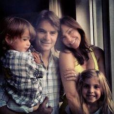 Twitter / ivandebosch: The 4 of us! Great Gordon family portrait!