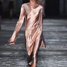 Every Look From the Sexy Bec & Bridge Show at Australian Fashion Week High Fashion, Fashion Show, Womens Fashion, Net Fashion, Normcore Fashion, Fasion, Fashion Week 2016, Satin Dresses, I Dress
