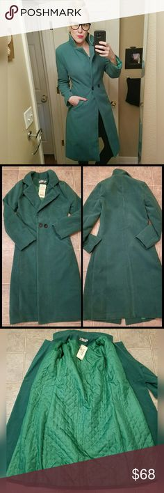 Amazing, longline coat!! Great kelly green color! Excellent condition. Got this secondhand, but tags still attached. No tags for material, but feels like a soft microfiber. Size is XL, but fits more like a S. Jackets & Coats