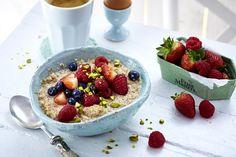 Buchweizen-Porridge mit Beeren Rezept | LECKER